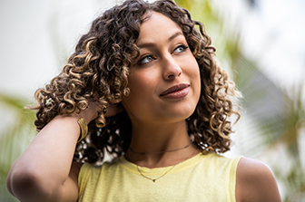 How to Hydrate Dry or Damaged Curls